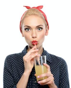Smoothie nápoje a vintage slečna