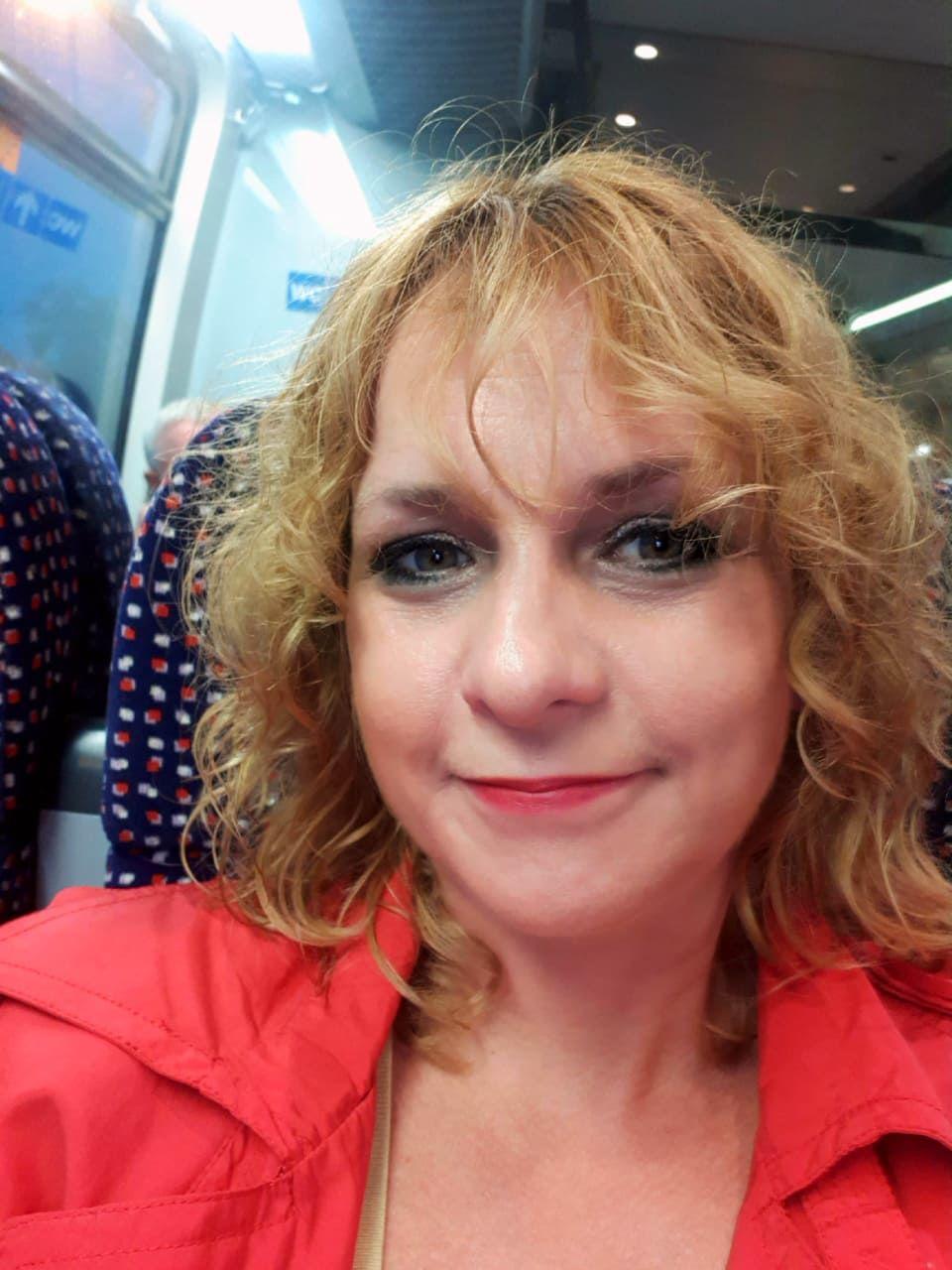 Marta: Do Bratislavy denne (chodím) cestujem vlakom