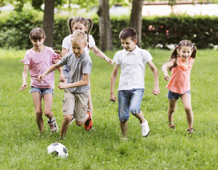 Deti, pohyb, futbal
