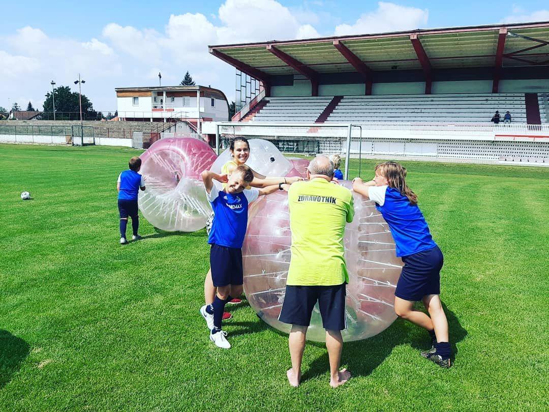 Bublinový futbal