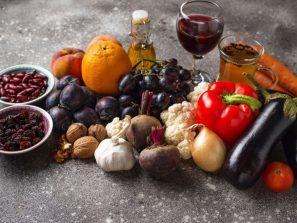 Antioxidanty - zôzne ovocie a zelenina na kope