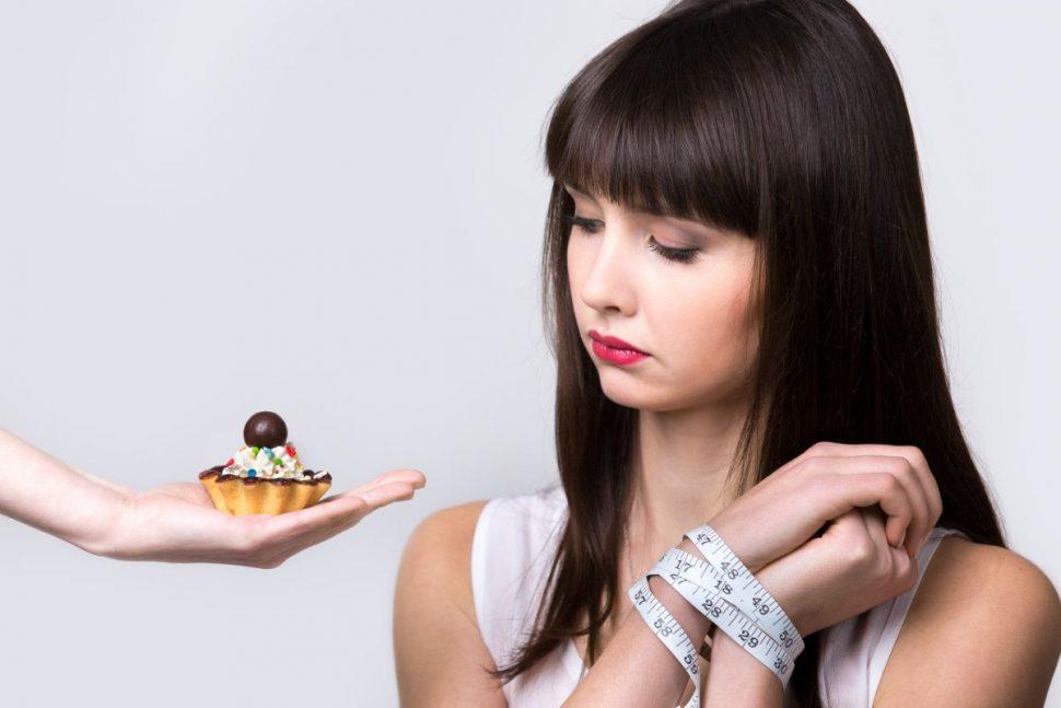 Dievča by si dalo koláčik ale nemôže