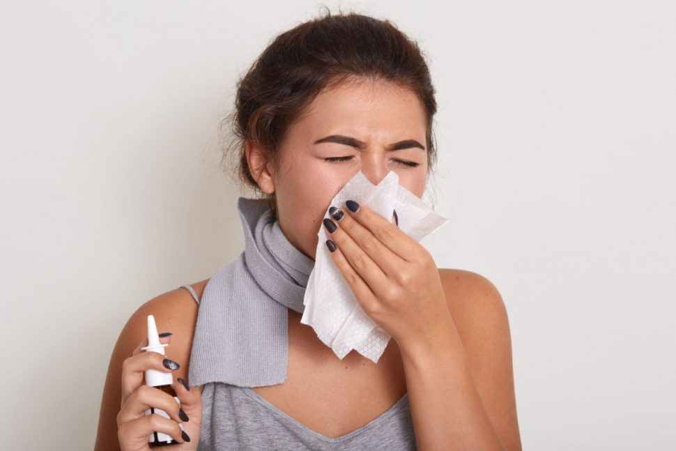 Pani smrká do vreckovky (asi zlyhal imunitný systém)