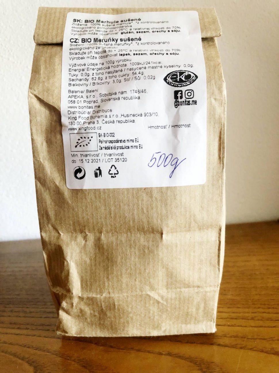 BIO sušené marhule v papierovom vrecku, zdravé potraviny bez obalu